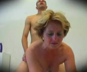 mamie laide suck my dick !